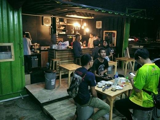 Cafe Dari Container di Ciledug